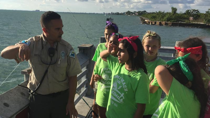 jorge teaching fishing GS troop 1802